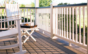 white-colonial-spindles-porch